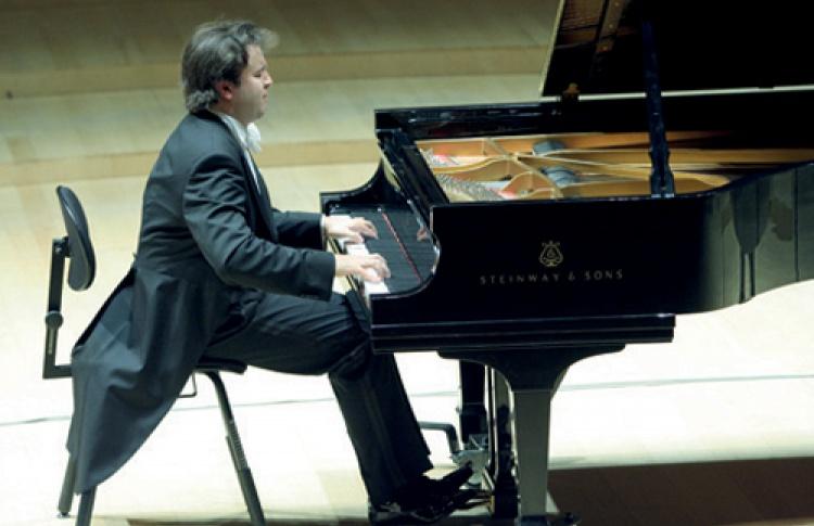 Алексей Володин (фортепиано)