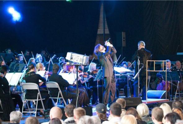 Би-2 и симфонический оркестр - Фото №3
