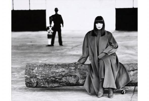 Навыставке «Coats! Max Mara» показывают все культовые пальто марки - Фото №7