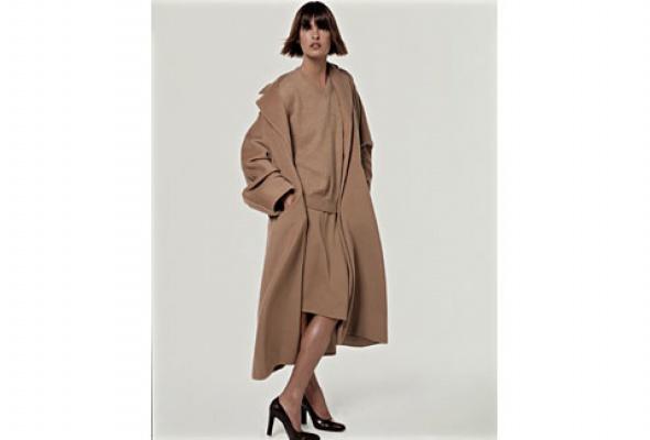 Навыставке «Coats! Max Mara» показывают все культовые пальто марки - Фото №4