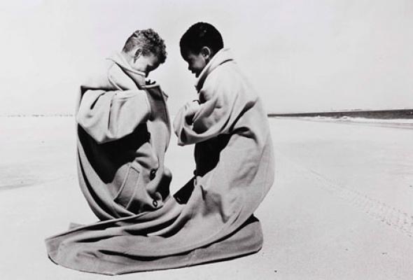 Навыставке «Coats! Max Mara» показывают все культовые пальто марки - Фото №9