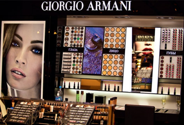Два новых корнера Armani: вЦУМе и«Рив Гош» - Фото №0