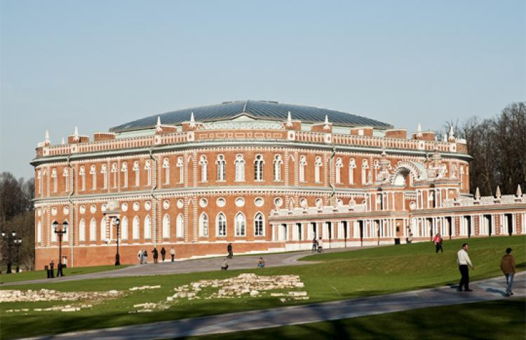 Большой дворец и Хлебный дом в Царицыно