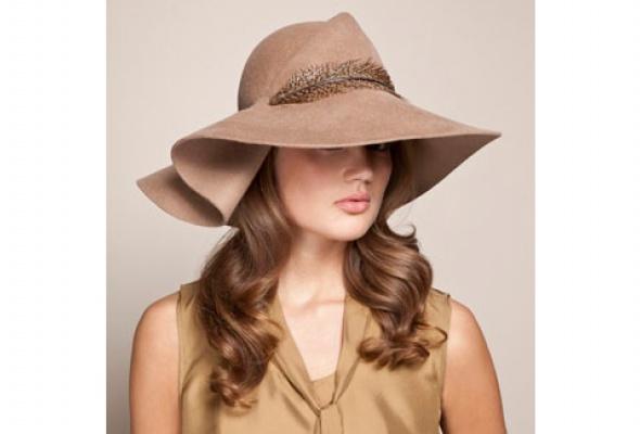 Осенняя коллекция шляп Eugenia Kim появилась вЦУМе - Фото №3