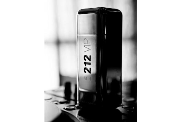 Мужской аромат 212 VIP MEN отCarolina Herrera - Фото №3
