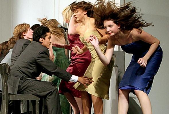 Ежегодный показ танцевальных фильмов совсего света - Фото №1