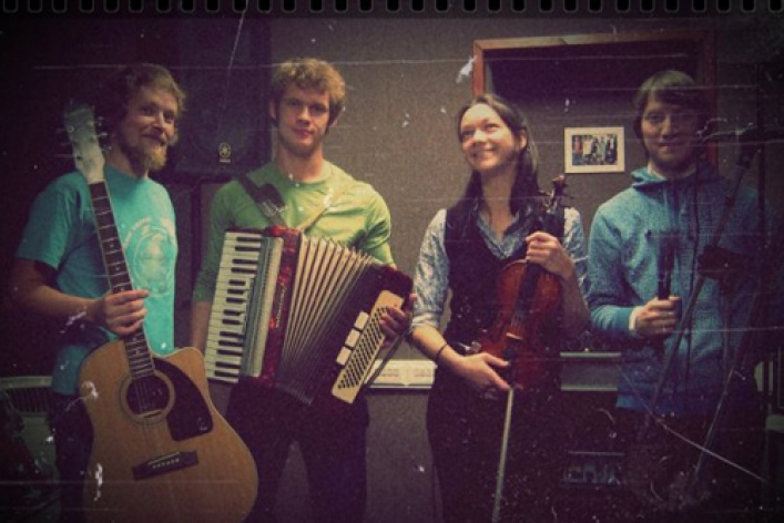 Do-Re-Mi Orchestra (Zmitser Von Holzman live)