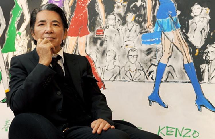 Модельер Кензо Такада привез вМоскву свои картины