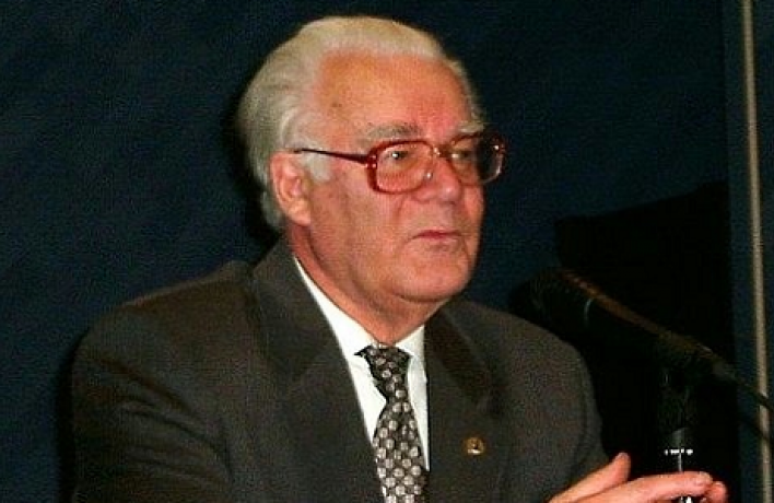 Николай Скатов