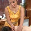 ВThai-SPA-салонах «7красок» массаж можно заказать надом