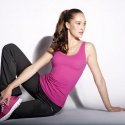 Reebok выпустил моделирующую спортивную одежду для женщин