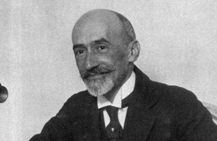 Jacinto Benavente Martínez