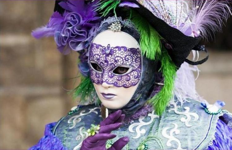 Зимний карнавал в саду Эрмитаж