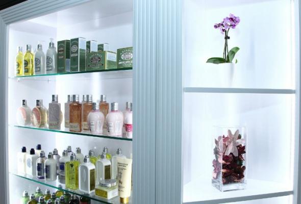 ВМоскве появилась сеть luxury-аптек A.v.e - Фото №2