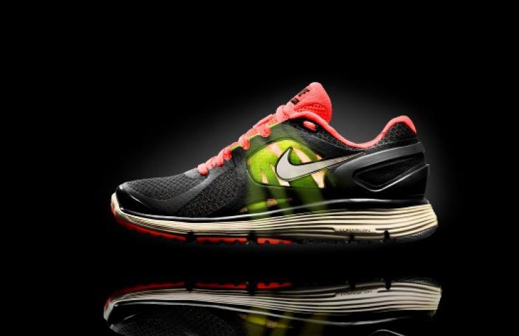 Nike выпустил ультралегкие беговые кроссовки Lunareclipse+2