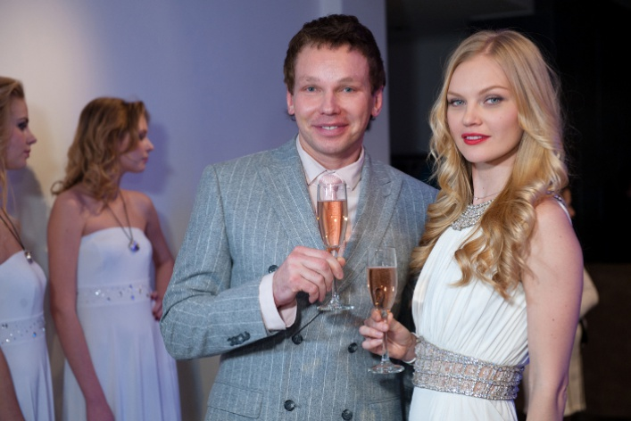 Clarins Group иSwarovski презентовали новый парфюм