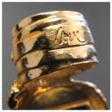 Yves Saint Laurent создал коДню святого Валентина кольцо для влюбленных
