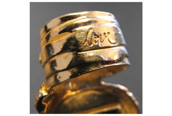 Yves Saint Laurent создал коДню святого Валентина кольцо для влюбленных - Фото №0