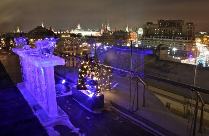 Ледяной бар открылся натеррасе «Консерватории»