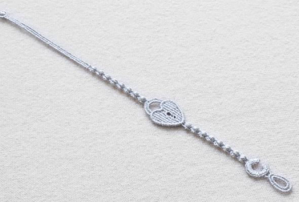 ВЦУМе начали продавать браслеты Cruciani за350 рублей - Фото №1