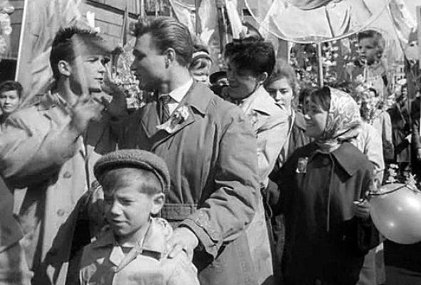 5классических фильмов оботтепельной Москве - Фото №1