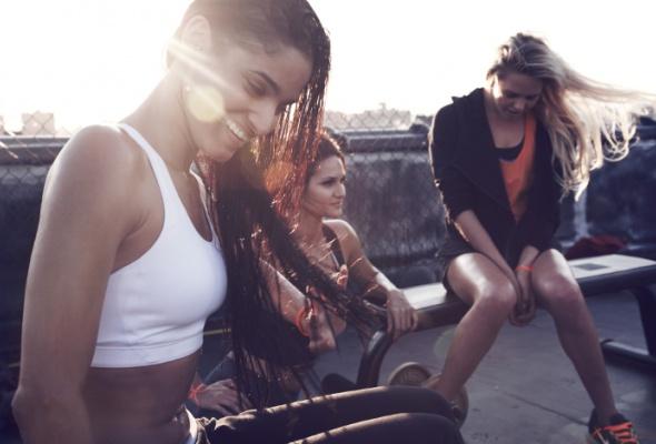 Nike представил новую весеннюю коллекцию для женского тренинга - Фото №1