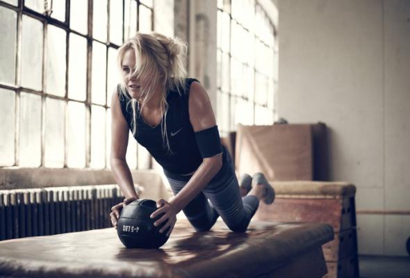Nike представил новую весеннюю коллекцию для женского тренинга - Фото №3
