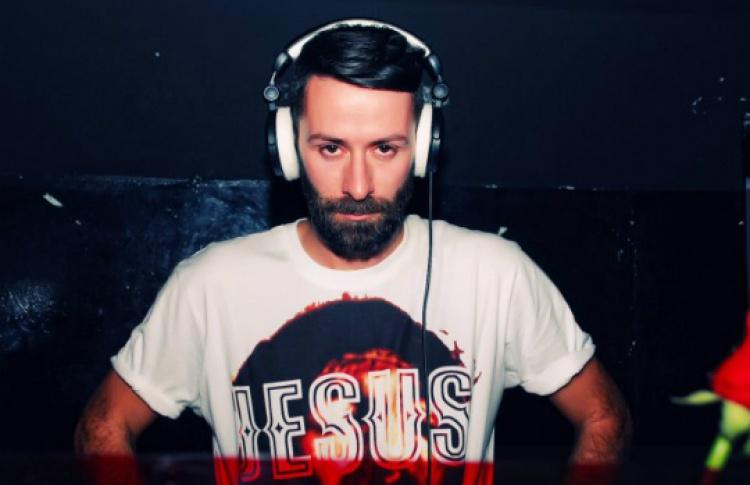DJ Марчело Бурлон
