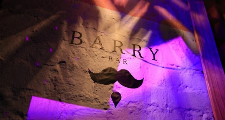 Barry Bar