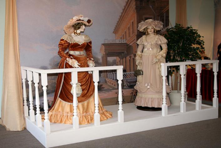 История человечества в куклах