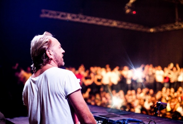 DJ Henrik Schwarz - Фото №0