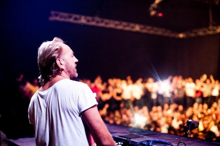 DJ Henrik Schwarz