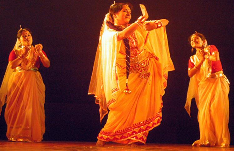 Индийский праздник «Холи Мела»