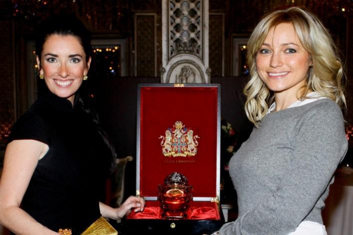 ВМоскву привезли самый дорогой флакон вистории парфюмерии