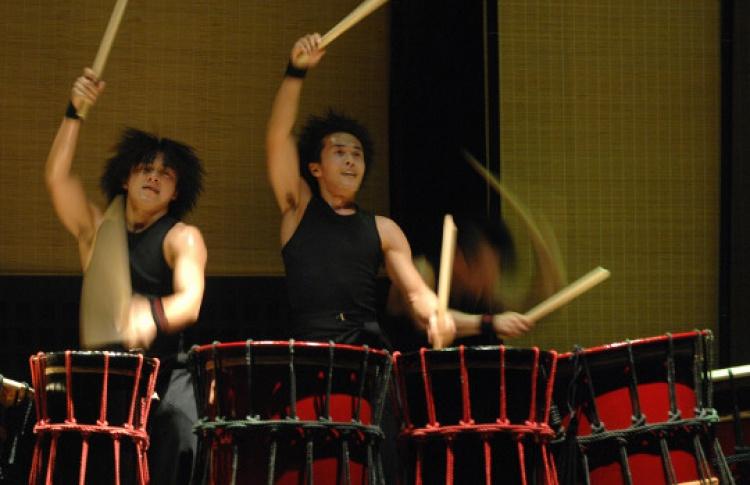 Японские барабанщики Yamato
