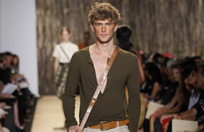 Корнер мужской одежды Michael Kors вЦУМе