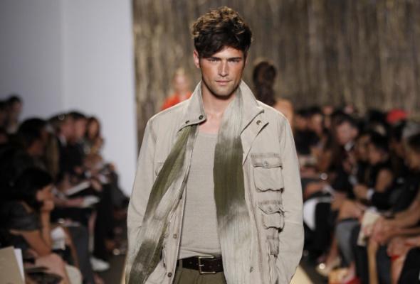 Корнер мужской одежды Michael Kors вЦУМе - Фото №3