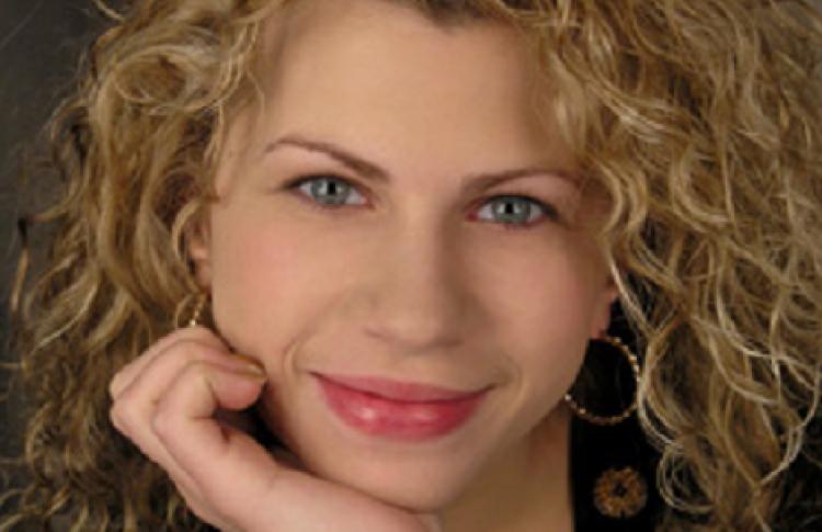 Наталья Златова