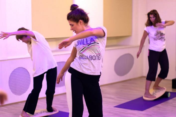 5лучших йога-школ вгороде