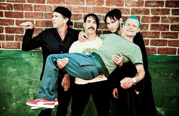 Новые песни Red Hot Chili Peppers можно скачать бесплатно