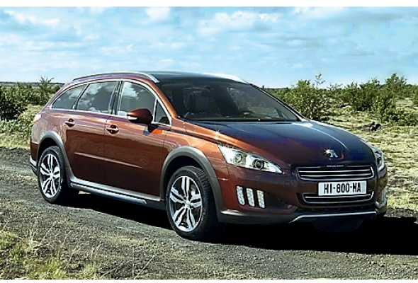 Citroen DS4, Chevrolet Captiva и Peugeot 508 - Фото №2