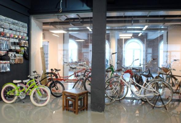 Восемь новых магазинов впространстве «Ткачи» - Фото №1