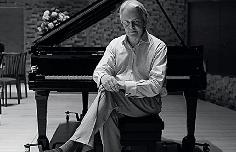 Кристиан Блэкшоу (Великобритания, фортепиано)