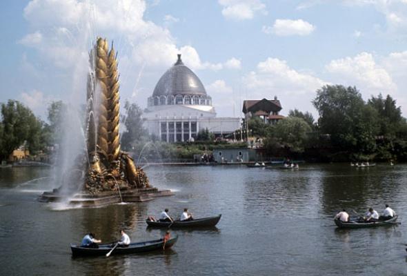 9самых красивых фонтанов Москвы - Фото №7