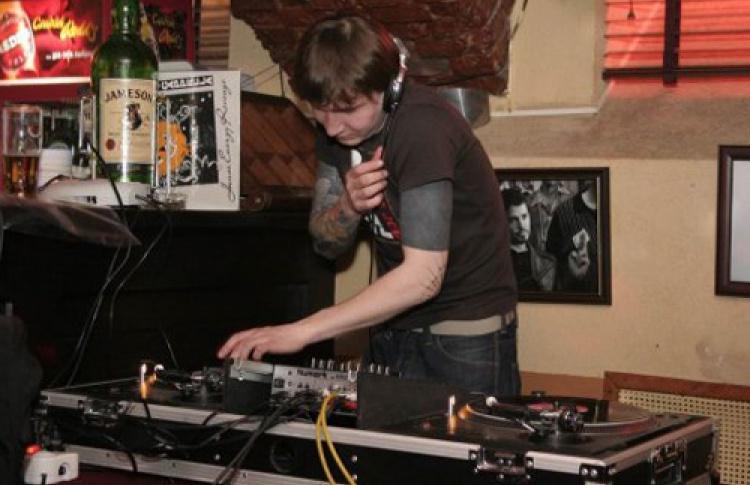 DJ Tim Ohta