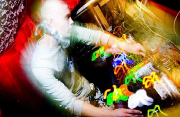 DJ Thierry Tomas