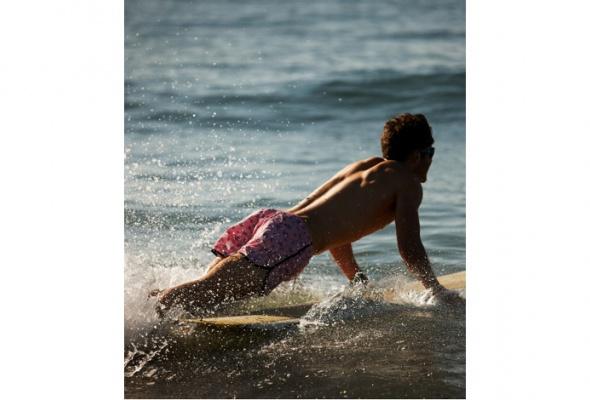 Майкл Бастиан иGant посвятили летнюю капсульную коллекцию Гавайям - Фото №5