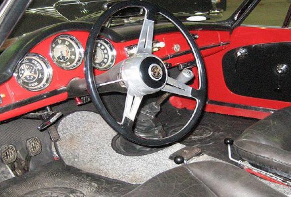 Музей ретро-автомобилей - Фото №0