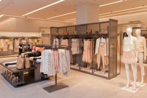 Zara в«Европейском» открылась вновом имидже