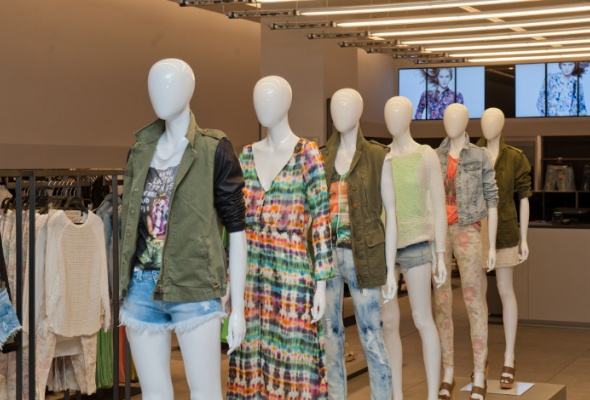 Zara в«Европейском» открылась вновом имидже - Фото №1
